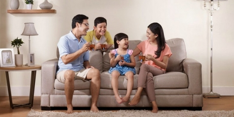 Keluarga Bahagia Buatan Iklan
